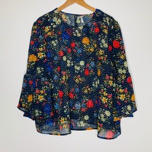 🎉5 for $25🎉 Truth Blue Floral Blouse